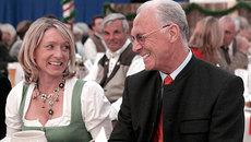 Hoàng đế Beckenbauer: Trâu già ham gặm cỏ non