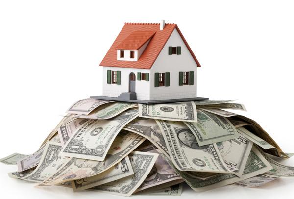 Ngân hàng siết vốn: Nhà đất đổ dốc ngay?