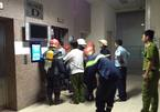 16 người hoảng loạn nửa giờ trong thang máy chung cư