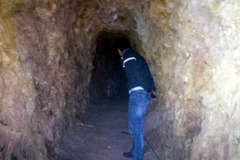 Bí thư huyện đào hầm xuyên núi sau biệt thự