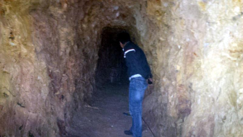 bí thư huyện, đào hầm, đào hầm xuyên núi, biệt thự, Quảng Nam