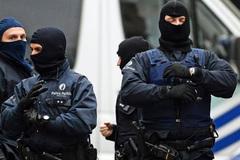 """Cảnh sát châu Âu dùng """"chó săn số"""" truy tìm khủng bố Bỉ"""