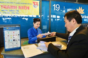 Hành khách thích thú trên chuyến bay đặc biệt của Vietnam Airlines