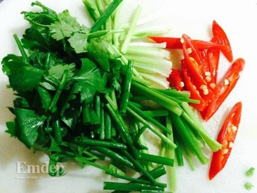 Cách làm mực xào dứa chua ngọt hấp dẫn