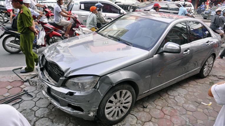 bằng lái xe, bồi thường bảo hiểm, xe ô tô, phí bảo hiểm, quy định mới