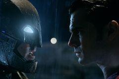 'Batman v Superman' đả phá bảng xếp hạng toàn cầu