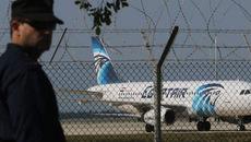 Video máy bay Ai Cập bị ép hạ cánh ở Cyprus