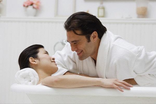 Đêm tân hôn của vợ chồng, đêm tân hôn bi hài, vợ chồng, chuyện chăn gối