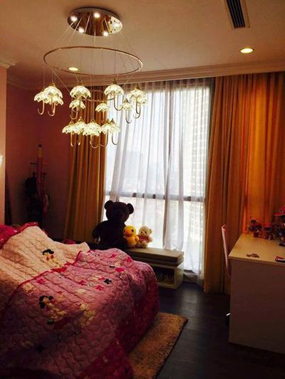 20160330152015 can ho hang sang 13 Khám phá căn hộ sang của cô gái Hà thành từng 12 lần thẩm mỹ