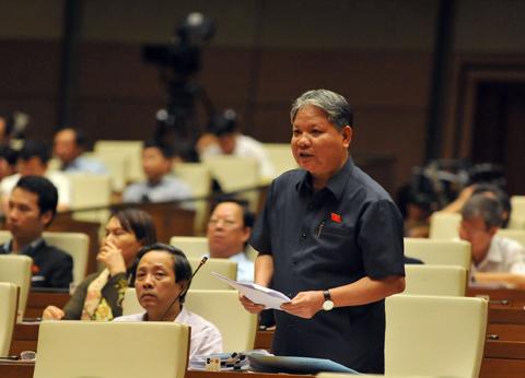 bộ trưởng tư pháp, hà hùng cường, luật biểu tình, luật đất đai