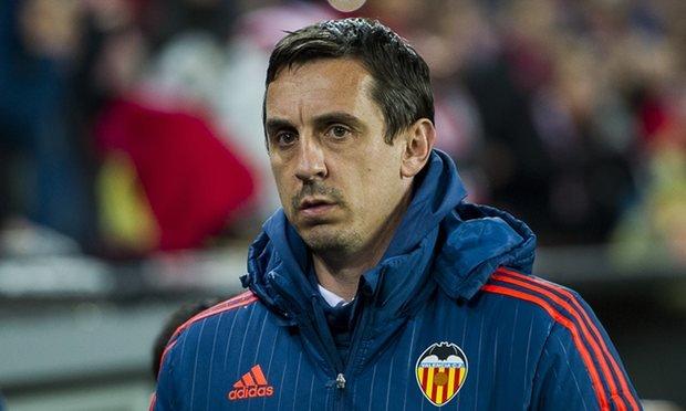 Valencia sa thải HLV Gary Neville