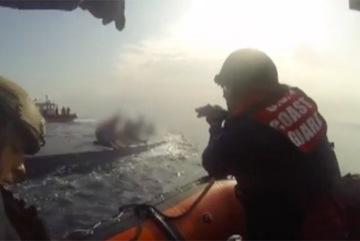 Xem tuần duyên Mỹ truy bắt tàu ngầm cocaine