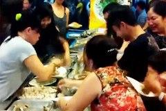 Du khách Việt xấu xí sẽ bị từ chối phục vụ?