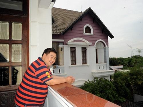 Điểm danh sao Việt 'mượn nhà' khoe mẽ như Minh Béo