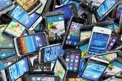 """Smartphone hết thời tăng trưởng """"nóng"""""""