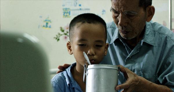 Diễn viên Trần Hạnh lại khổ vì phim
