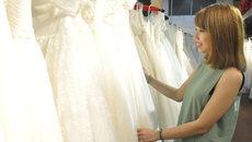 9X Ngoại thương kiếm tiền tỷ/tháng từ xưởng váy 800m2