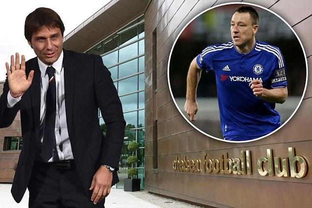 Conte bất ngờ gặp sao Chelsea bàn chuyện lớn