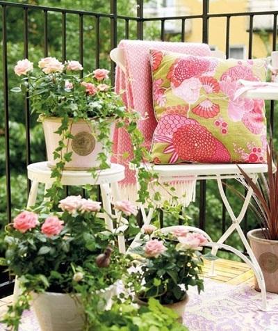 Những ngôi nhà có ban công đầy hoa đẹp đến mức không thể đẹp hơn