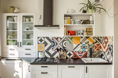 Mê mệt với những căn bếp được trang trí bởi gạch bông có họa tiết rực rỡ