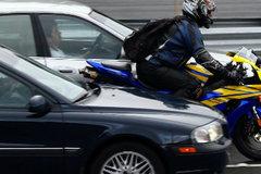 Những tình huống lái xe mô tô cần tránh