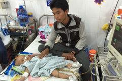 Nước mắt lặng thầm của người cha nghèo ở viện nhi