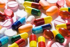 Lí do bất ngờ khiến thế giới khan hiếm thuốc