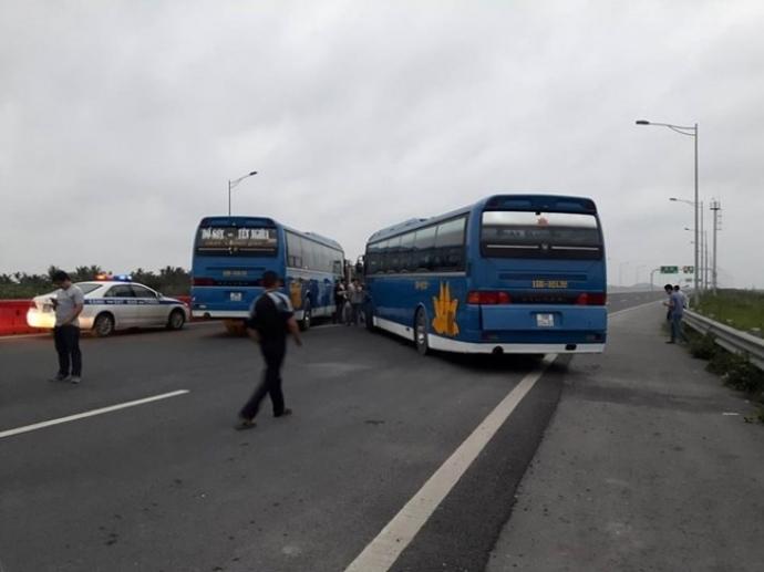 cao tốc Hà Nội Hải Phòng, xe chặn cao tốc
