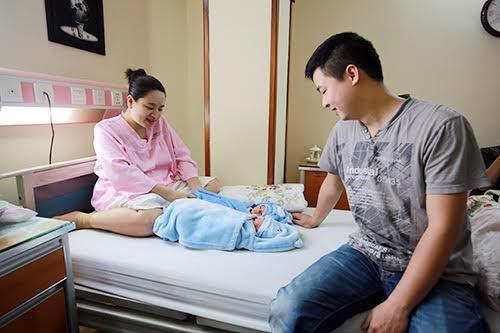 Mẹ Việt 4 lần mang thai đều ăn chay, sinh 5 con khỏe mạnh