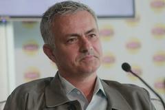 Đích thân Mourinho lên tiếng, fan MU khấp khởi