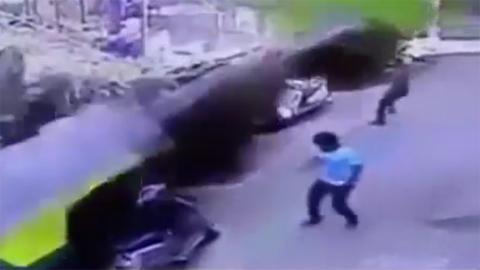 10 clip 'nóng': Hình ảnh tai nạn gây sốc vì 'ô tô ma'