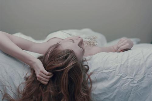 Đêm tân hôn, chết lặng vì vết sẹo trên người vợ
