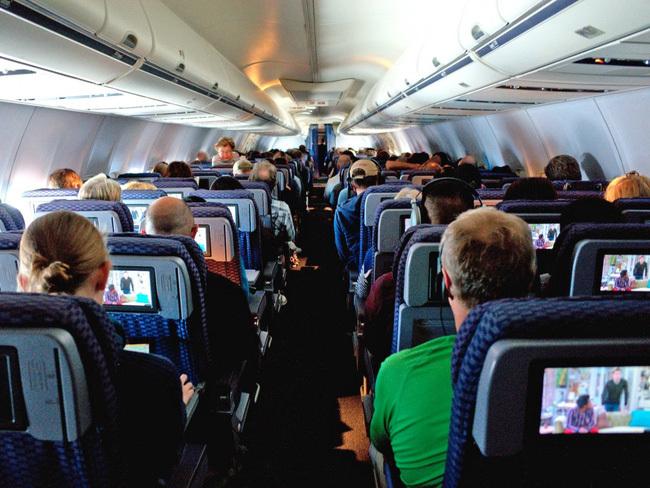 5 bí mật trên máy bay mà tiếp viên không bao giờ dám tiết lộ
