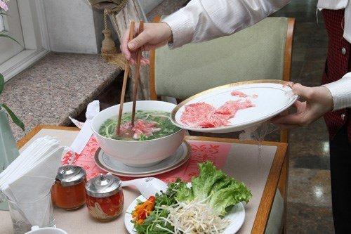 Bát phở đắt nhất Việt Nam: 850 ngàn đồng