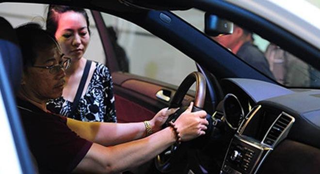 20160411081409 gia o to tang Một số doanh nghiệp dự báo giá nhiều dòng ô tô sẽ tăng cao do thuế tiêu thụ đặc biệt