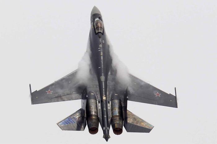 Đọ sức hai chiến đấu cơ 'siêu dũng mãnh' của Nga và Mỹ