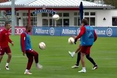 Xem bài tập cực dị của cầu thủ Bayern Munich