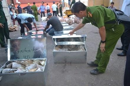 Đề xuất nghiền nát ngà voi, sừng tê giác ở Hoàng Thành Thăng Long