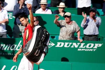 Những hình ảnh cay đắng của Djokovic ở Monte Carlo