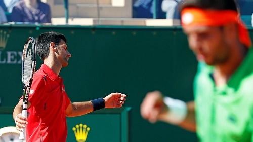 Tay vợt vô danh sốc nặng, không tin quật ngã Djokovic
