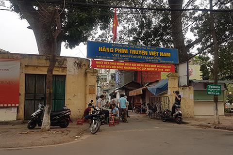 Nhà hàng, quán ốc bủa vây Hãng phim truyện Việt Nam