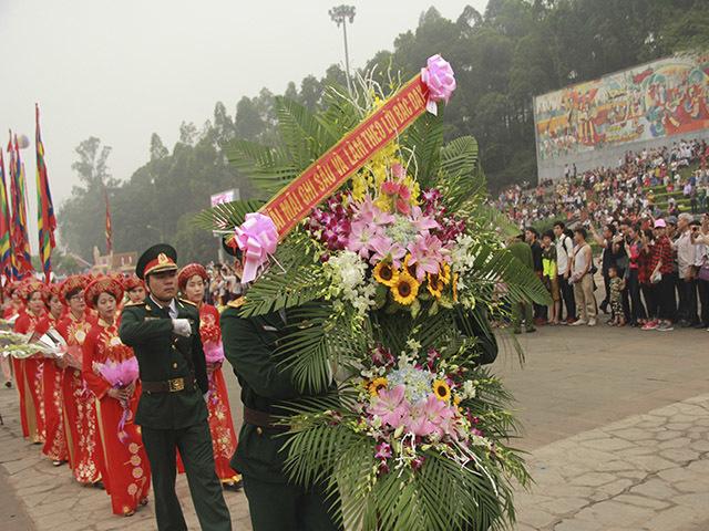 Tổng bí thư và hàng triệu người dân dâng hương Giỗ Tổ