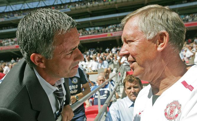 Sir Alex 'vẫy cờ trắng', Mourinho tung hoành ở MU