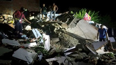 Hơn 670 người thương vong do động đất ở Ecuador