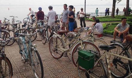 Khám phá chợ xe đạp cổ giữa lòng Hà Nội