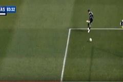 Thủ môn Serie A sút bóng về lưới nhà như bán độ