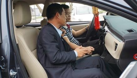 học lái xe, lái xe ô tô, lái xe số tự động, lái xe số sàn, lái xe an toàn