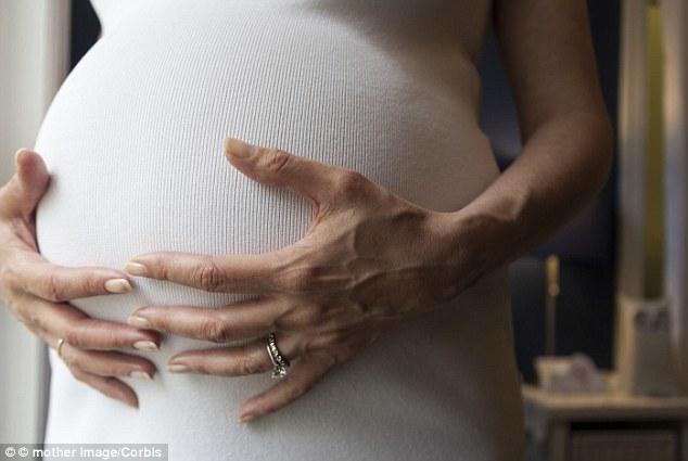 Mẹ sinh con muộn, trẻ dễ thành công?