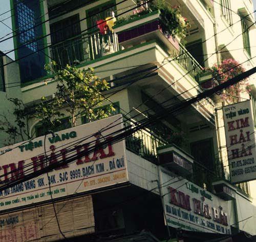 """Tiệm vàng bị trộm đột nhập """"cuỗm"""" 3 tỉ đồng"""