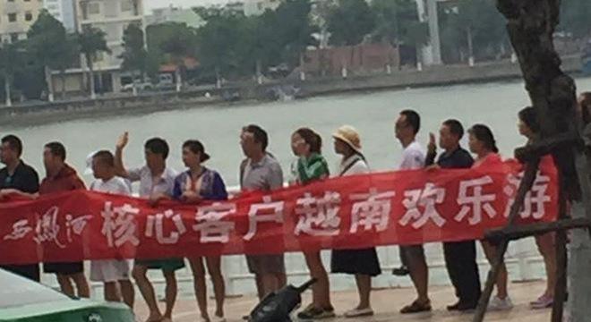 Sự thật tấm băng rôn toàn chữ Trung Quốc giữa trung tâm Đà Nẵng